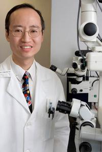 Stephen Tsang headshot