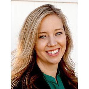 Melissa Kinney headshot